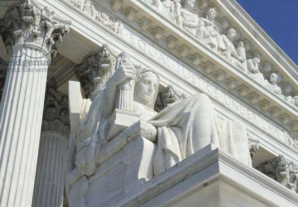 The Supreme Court, built in 1935 (photo)