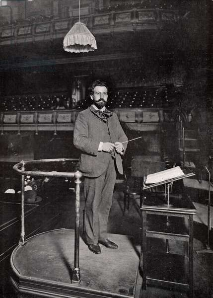 Sir Henry Wood on the conductor's podium at the Queen's Hall, London, in 1903 (b/w photo)