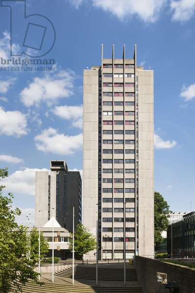 Coventry University Quadrant Hall and Priory Hall (University Halls of Residence), Priory Street, Coventry, West Midlands, UK (photo)