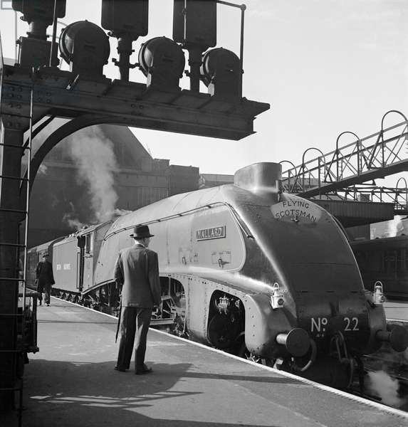 Mallard steam train, Flying Scotsman service, 1948 (b/w photo)