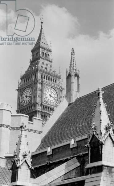 Palace of Westminster (b/w photo)