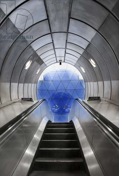 Interior view of the underground railway station, looking up an escalator to a geodesic glass screen, Southwark Underground Station, Blackfriars Road, South Bank, Southwark, Greater London, UK, 2017 (photo)