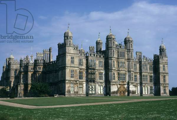 General view of the main facade of Burghley House (photo)