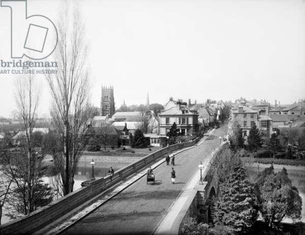 Workman Bridge, Evesham, 1883 (b/w photo)
