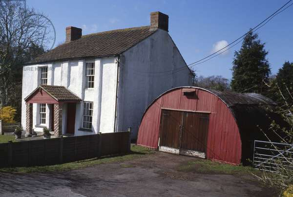 Small detached house (photo)