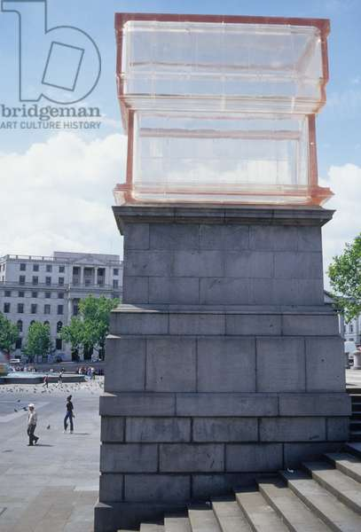 Trafalgar Square with resin sculpture on a plinth, erected in 2001 (photo)