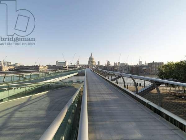 Millennium Bridge e Tate Modern, 1998 - 2000 (steel and reinforced concrete)