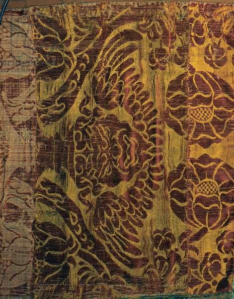 Hanging drape, (Broccatello)