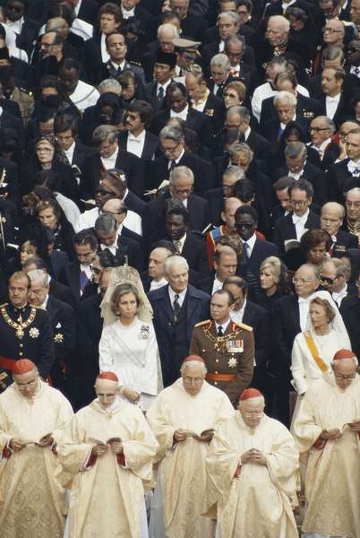 King Juan Carlos I and Queen Sofia of Spain at a religious ceremony, 1978 (photo)
