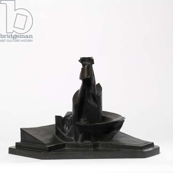 Development of a Bottle in Space (Sviluppo di una bottiglianello spazio), by Umberto Boccioni, 1912 (1935), 20th Century, bronze, 38 x 59,5 x 32 cm