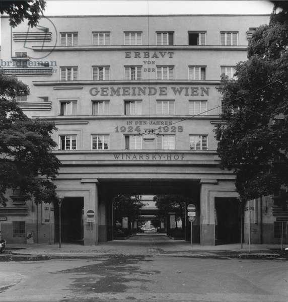 Winarsky-Court (Winarsky-Hof), by Adolf Loos, Josef Hoffmann, Peter Behrens, Josef Frank, Oskar Strnad, Oskar Wlach and Karl Dirnhuber, 1924 - 1926, 20th Century