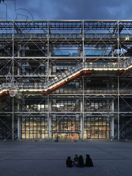 Pompidou Center in Paris, 1971 - 1978 (casting iron and steel, glass)