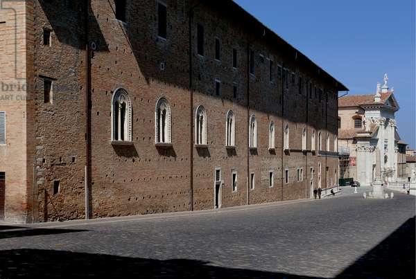 Piazza del Rinascimento,