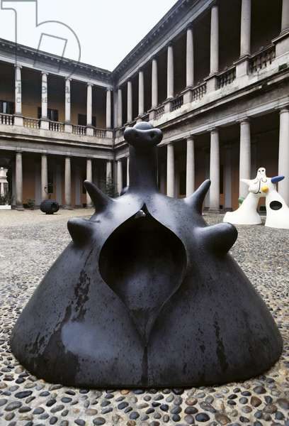 Maternity (Maternità), by Joan Mirî, 1973, 20th Century, bronze, 150 x 195 cm