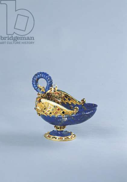 Dragon-shaped cup with handle (Coppa a forma di drago con ansa), by Milanese manufacture, 1580, 0-20 th Century, lapis lazuli, gold-mounted with enamel, emeralds, rubies, pearls, 17 x 19 cm