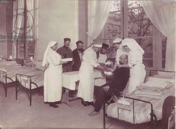 Temporary hospital of the Grand Palais - Paris