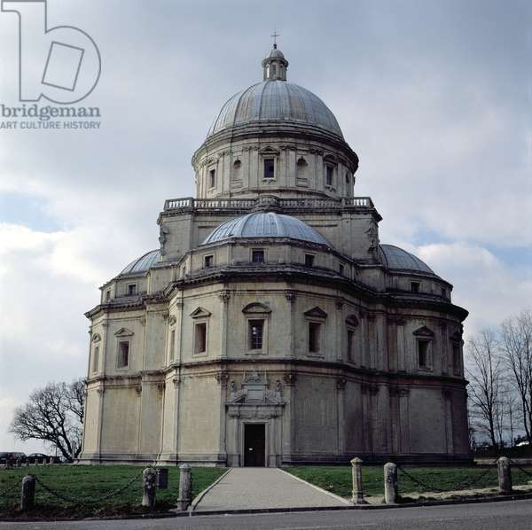 View of Santa Maria della Consolazione, designed by Cola da Caprarola and completed by Ambrosio Barocci and Francesco da Vita, built 1508-24 (photo)