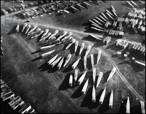 Preparation of the debarkage in Normandy on June 6, 1944 (D Day or D Day): gliders of the 9th USAF (United States Air Force) awaiting assembly for debarking. Great Britain, photograph of May 1944.
