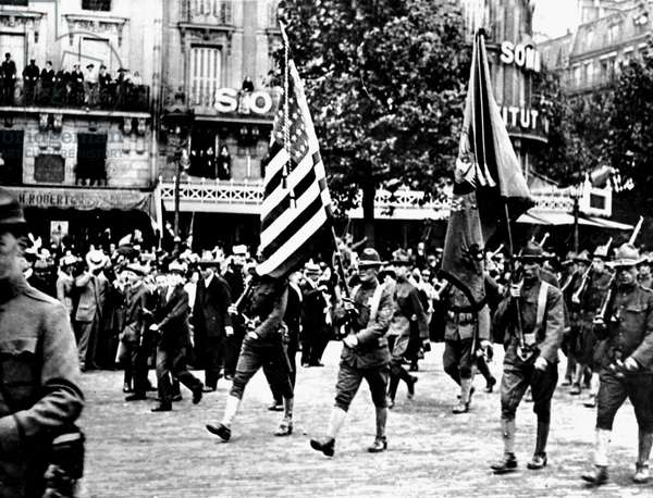First World War (1st, Iere, 14-18 or 1914-1918) (WWI): Paris (France) July 4, 1917: Defile on the Grands Boulevards of a detachment of American soldiers during the celebration of the Independence Day of the United States