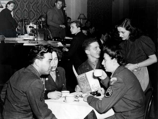 Blockade of Berlin by english - Blockade of Berlin (1948-1949): Berlin (Germany) March 1948. At Club 45, located in the American sector, two WACs and two US Army corporals command the waitress