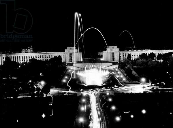 Second World War (1939-1945) - World War II (WWII or WW2): Paris (France) 8 May 1945: Illumination in the Trocadero Gardens for the end of the war in Europe
