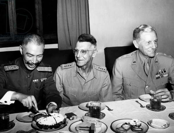 Second World War (1939-1945) - World War II (WWII or WW2): Headquarters of the Chinese Nationalist Council Chunking (China) 8 September 1944: At a dinner, from left to right, Admiral Yang Hsuan-Cheng (Director of the Council's Foreign Affairs Office), American General Joseph Stilwell (CG of Allied Forces in China-Burma) and American General Patrick Hurley (military adviser to the Council)