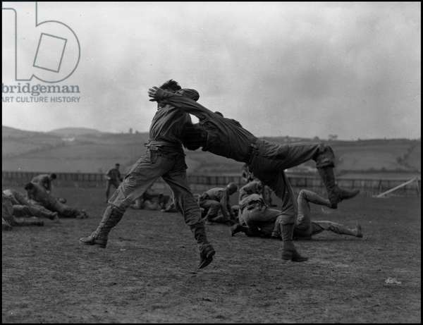 Preparation of the debarkage in Normandy on June 6, 1944 (D Day or D Day): training of American Rangers in a camp in Great Britain in preparation for the debarkage. Photography March 1944.