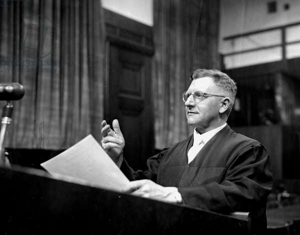 Second World War (1939-1945): Nuremberg trial (Germany) 1946: At one of the hearings of the International Tribunal (IMT) charged with trying the main Nazi officials and the NSDAP; Dr. Robert Servatius who is the lawyer of the former Nazi party.