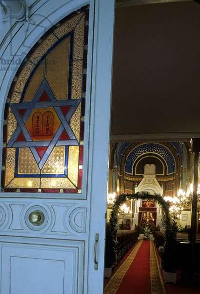 Interieur de la Synagogue, rue de Nazareth in Paris.