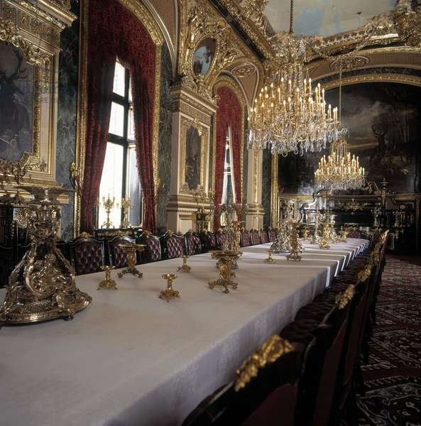 Musee du Louvre, Paris: Apartments Napoleon III - Large Dining Room.