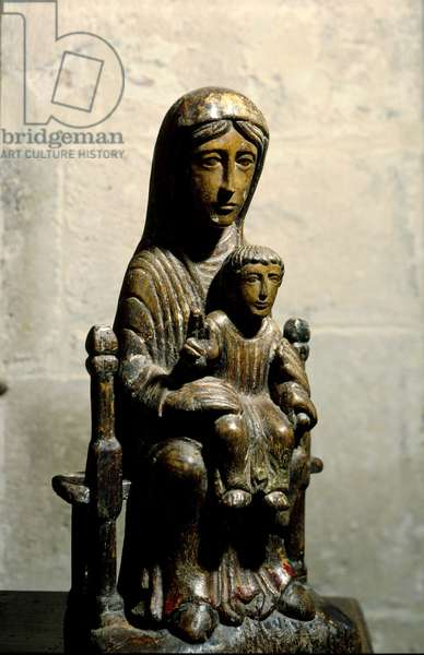 Virgin and Child (Romanesque wooden sculpture), oratory by Gramont, Tarn and Garonne, France.