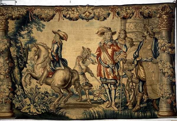 Dauphin riding lecon. 17th century tapestry. Chateau de Brissac.