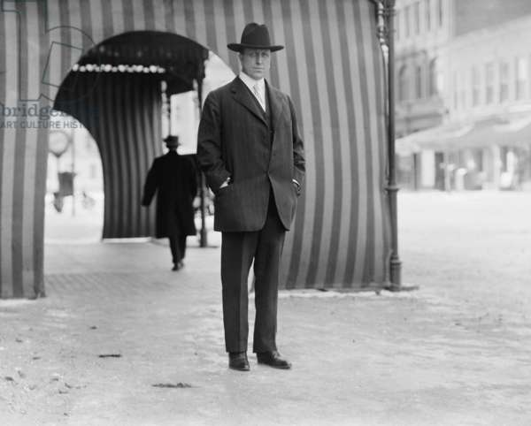 William Randolph Hearst photographed outside Washington D.C.'s Willard Hotel in 1911 after his unsuccessful c ampaigns for Mayor of NYC and Governor of New York State. (BSLOC_2010_18_171) SLOC_2010_18_171