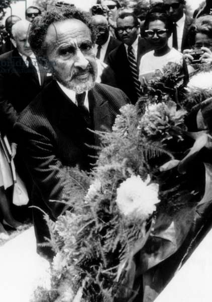Emperor Haile Selassie places a wreath at the tomb of Martin Luther King Jr, July 10, 1969