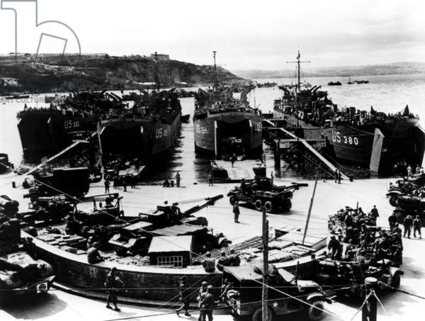 American soldiers being loaded into barges in Plymouth, England for their voyage to Normandy, France