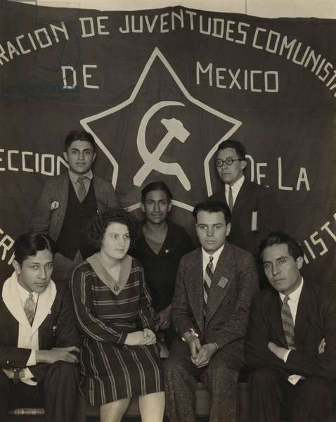 Members of the Youth Communist League in Mexico City in 1929. Mexico, established diplomatic relations with the Soviet Union, in 1924, the first country in the Western Hemisphere to do so. Photo by Tina Modotti