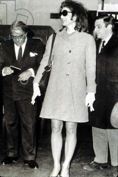 Jacqueline Kennedy & Aristotle Onassis at London airport, 1968