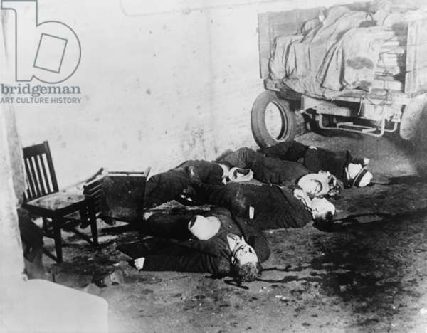 St. Valentine's Day Massacre. Seven gangsters of Bugs Mor an's gang were killed by Al Capone's in a garage in Chicag o on Feb 14, 1929. o on Feb 14, 1929. o on Feb 14, 1929. o on Feb 14, 1929