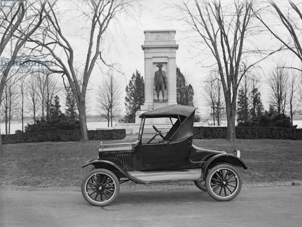 Ford Model T, roadster with a single seat and room for only two to three people, parked on the Mall in Washington, D.C. 1925