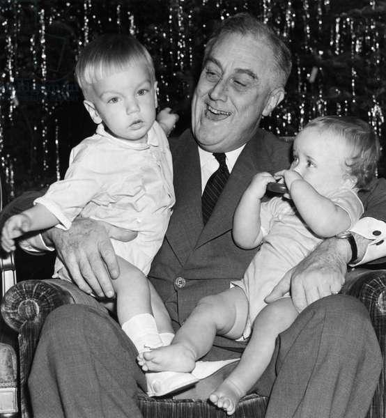 FDR Presidency. US President Franklin Delano Roosevelt with grandchildren, c.late 1930s