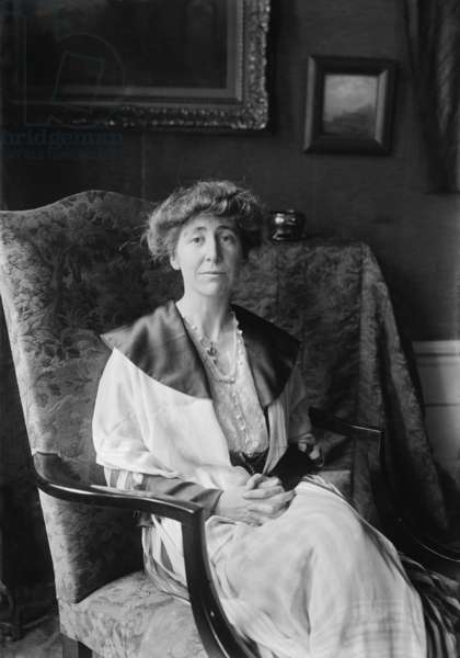 Jeannette Rankin (1880-1973), served two non-consecutive terms in the U.S. House of Representatives, in 1917-1919, and 1941-1943. As a pacifist, she voted against United States entry into both the First and Second World Wars. c. 1918