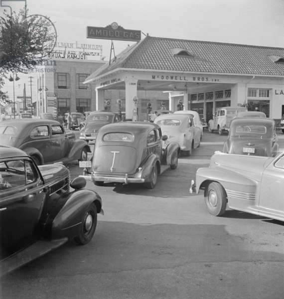 Gasoline lines on June 21, 1942, the day before rationing began during World War 2. Amoco Station on Wisconsin Avenue in Washington, D.C