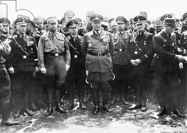 Commander-in-chief of the Luftwaffe Hermann Goering, center, at 10th commemoration for Albert Leo Schlageter, Dusseldorf, 1933