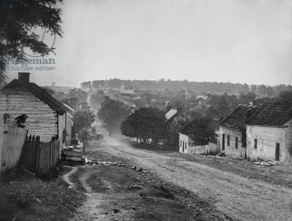 US Civil War. Battle of Antietam, also called Battle of Sharpsburg, Sept. 17, 1862. Photograph of the principle street of Sharpsburg, Maryland, taken by Alexander Gardner on Sept. 17, 1862. Southern chroniclers named the battle that took place around and in this village, 'The Battle of Sharpsburg.' Northerners called it the Battle of Antietam, after the creek that runs through the battlefield