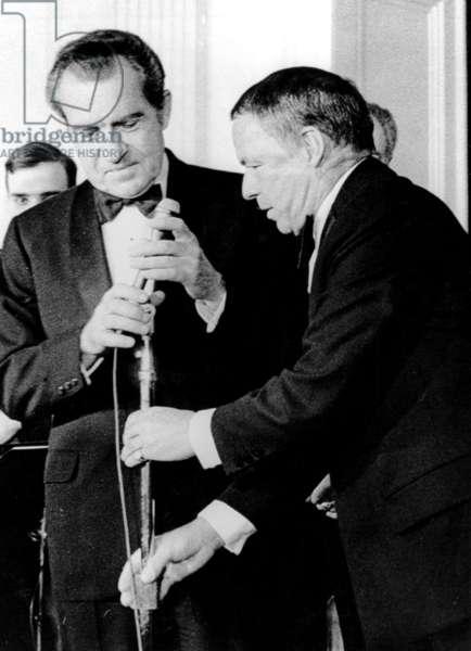 Frank Sinatra performs at the White House. President Richard M. Nixon, Frank Sinatra, 1973