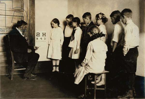 Medical inspection and eye tests, grade 5 of Washington School, Lawton, Oklahoma, photograph by Lewis Wickes Hine, April, 1917