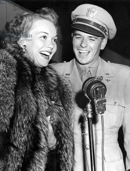 Jane Wyman, Ronald Reagan in the mid 1940s