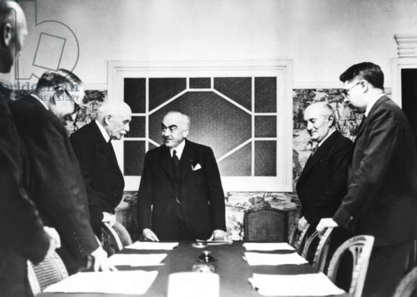 Vichy Cabinet discussing a report by Admiral Darlan, Vichy Foreign Minister. May 31, 1941