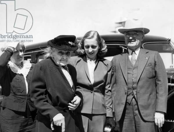 President Harry Truman (far right), with, from far left: wife First Lady Bess Truman, mother Martha Truman, and daughter Margaret Truman, 1947.