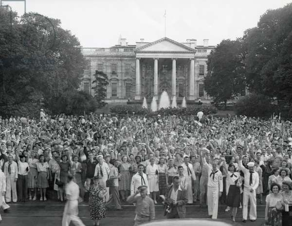 Crowd gathered outside the White House after the announcement of Japan's surrender. V-J Day, August 14, 1945.